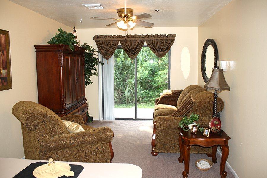 Care Homes for Dementia in Naples  FL. Emeritus Senior Living Bonita Springs Fl. Home Design Ideas