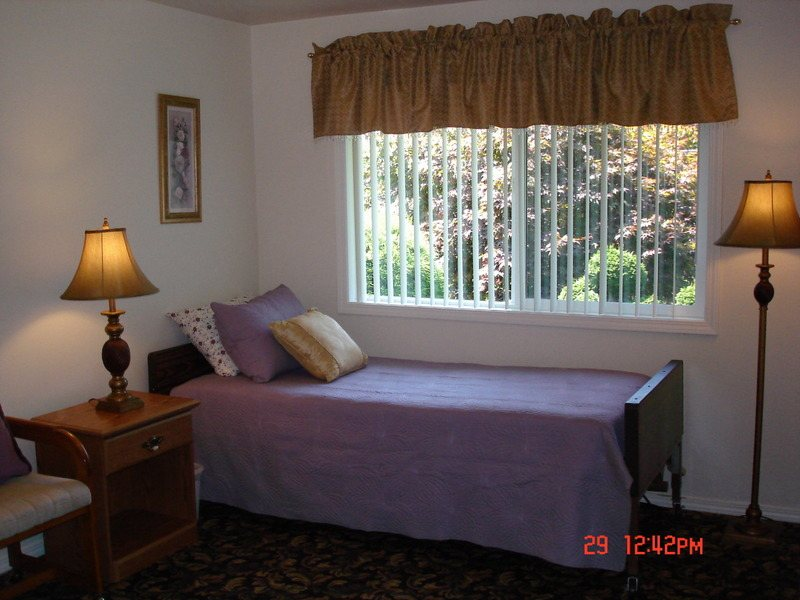 Oatfield Senior Care Home