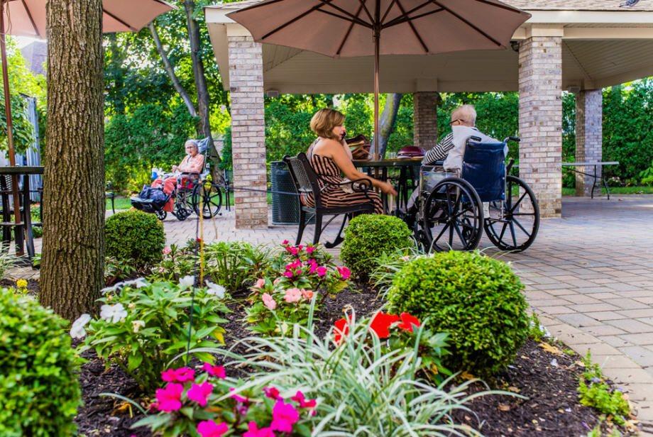 The Grand Rehabilitation & Nursing at Queens - 92 Reviews ...